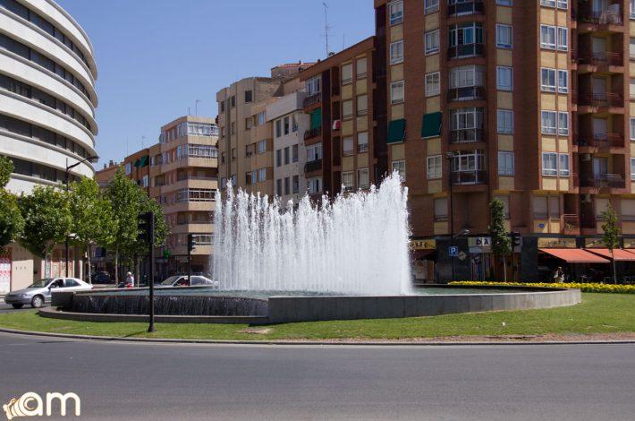Rotonda-Fuente-Carretera-Peñas-San-Pedro-06770