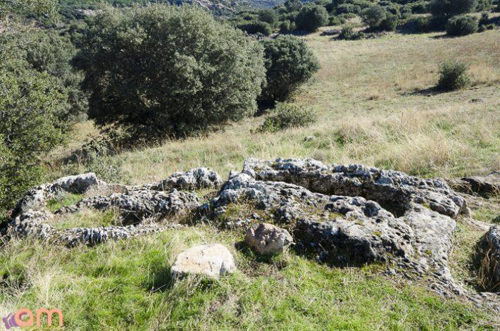 Cortijo-El-Santo-Tumbas-97